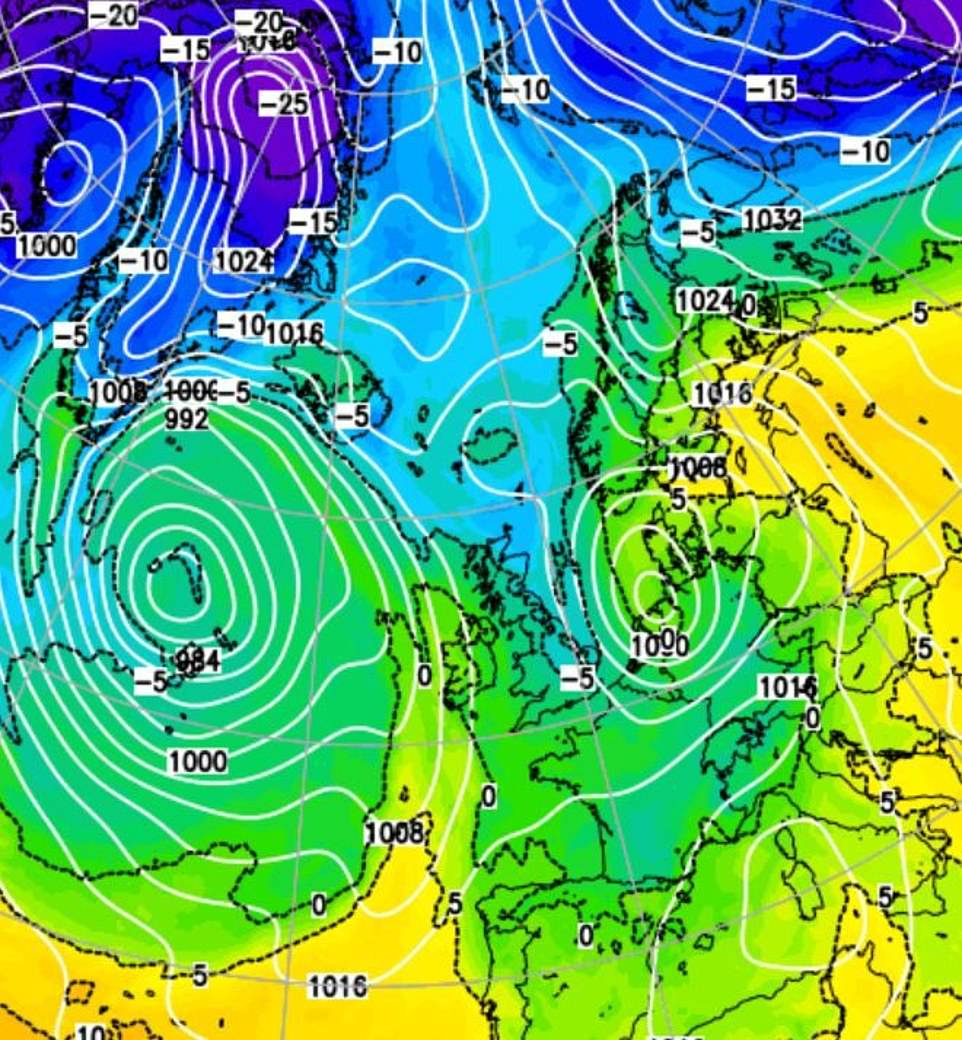 The 400-mile wide 'Arctic swell' is shown blowing to Britain, bringing temperatures of -9C (16F) - the coldest night of autumn so far