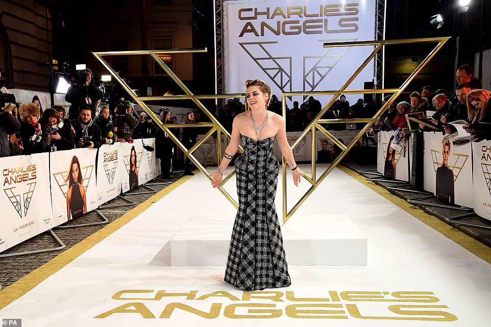 Strike a pose: Kristen knew how to work her best angles as she put her best foot forward and posed up a storm