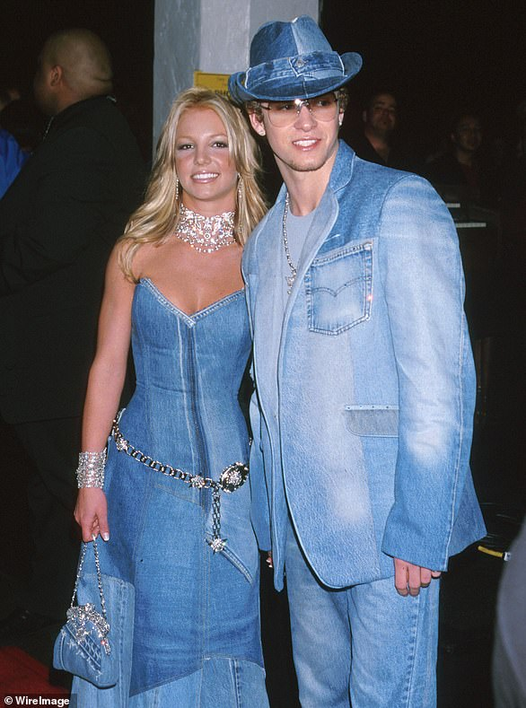 Britney and Justinat the 2001 American Music Awards