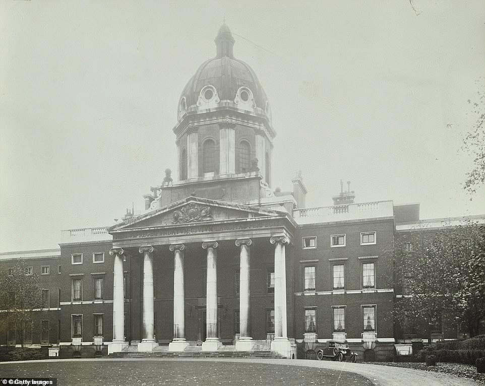 The Bedlam asylum us pictured above. Many patients were admitted to it in the 1850s and it was known for its chaotic style